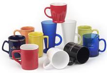 Кружки чайные и кофейные с символикой от стекла до фарфора с деколью и гравировкой